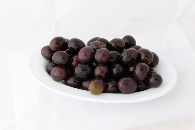 Black whole olives