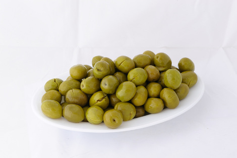 Green cracked olives